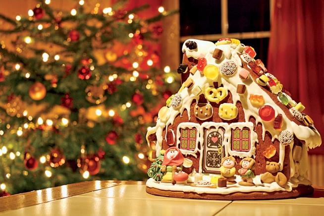 Knusperhäuschen mit Weihnachtsbaum
